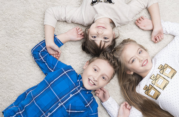d couvrez family sphere le sp cialiste de la garde d 39 enfants domicile. Black Bedroom Furniture Sets. Home Design Ideas